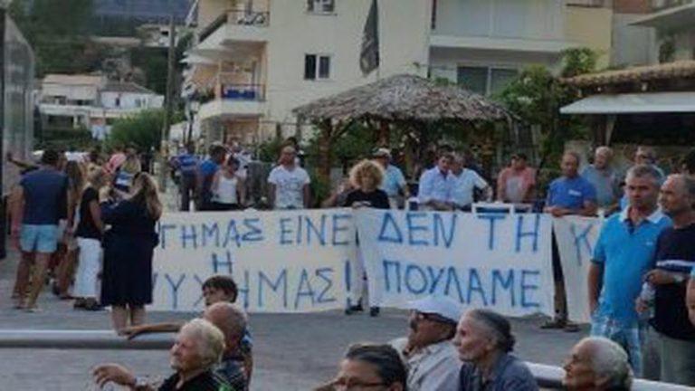 Σε μποϋκοτάζ των ελληνικών προτρέπει Αλβανίδα Υφυπουργός!