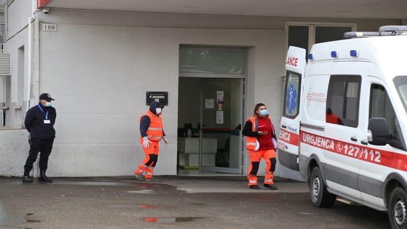 Καλπάζει η πανδημία στην Αλβανία, 99 νέα κρούσματα