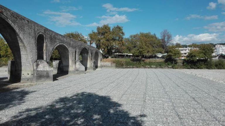 Έργα προστασίας στο ιστορικό γεφύρι