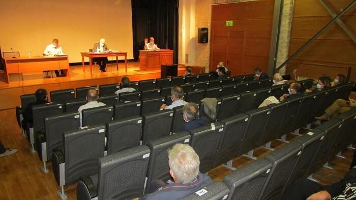 Τέλη και έργα στο Δημοτικό Συμβούλιο