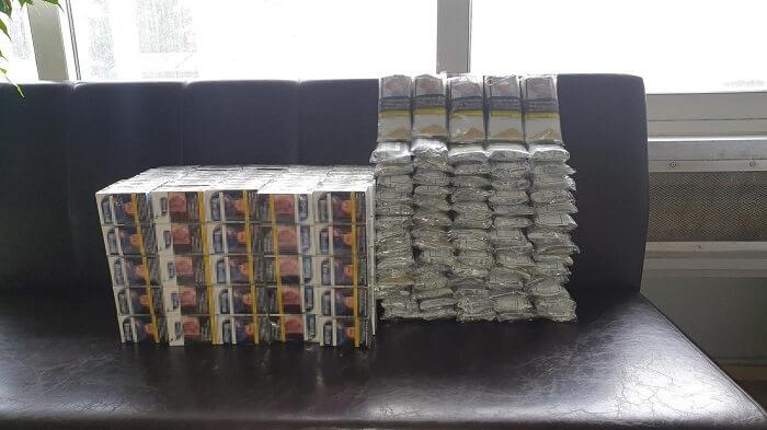 Συνελήφθη «ζευγάρι» με 150 πακέτα τσιγάρα