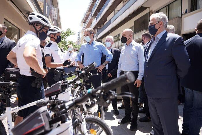 Και… πρωθυπουργική βόλτα στο κέντρο των Ιωαννίνων-ΦΩΤΟ