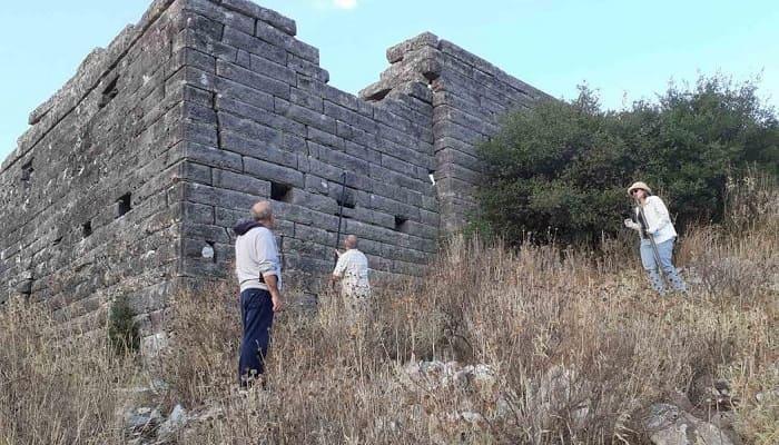 Γερμανοί αρχαιολόγοι στο Όρραον.. Μελετούν την αρχαία οικία-ΦΩΤΟ
