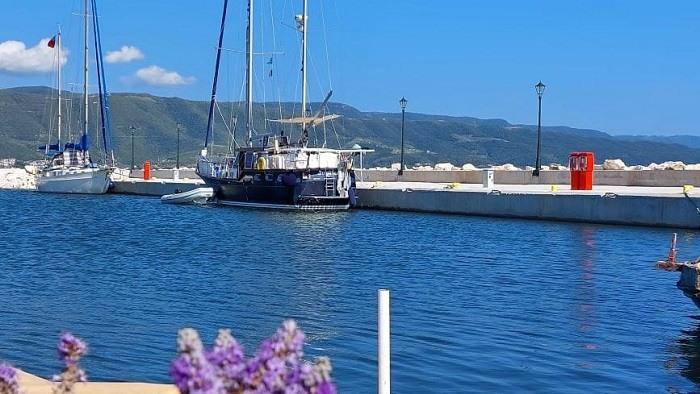Σε πλήρη λειτουργία το λιμάνι της Κόπραινας